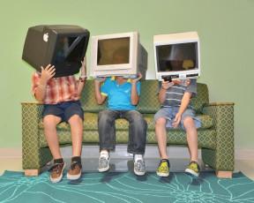 TVinmyhead-greenteal-web